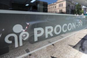 Procon multa banco em quase R$ 300 mil por empréstimos não solicitados